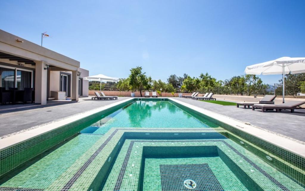 836 8p, Villa  with private pool in San Rafael, Ibiza, Spain for 8 persons...