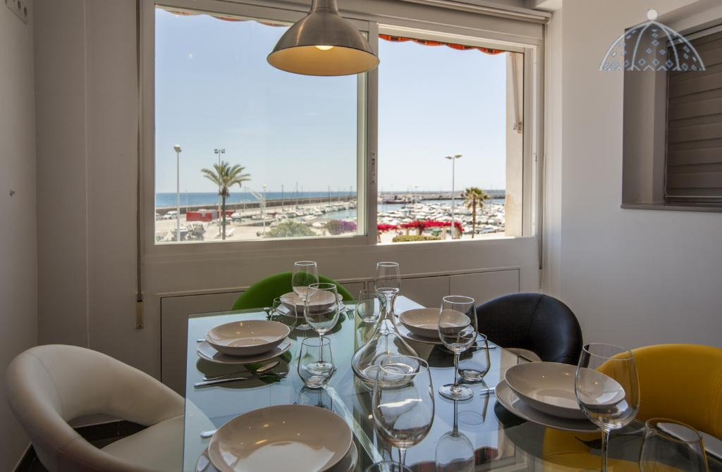 Apartamento Altea Puerto, Modern and comfortable apartment in Altea, on the Costa Blanca, Spain for 6 persons. The apartment is situated close to.....