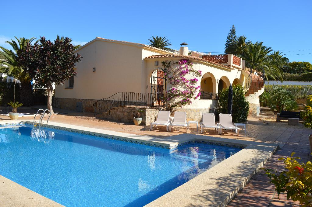 Casa liamar, Beautiful and cheerful villa in Javea, on the Costa Blanca, Spain  with private pool for 4 persons...
