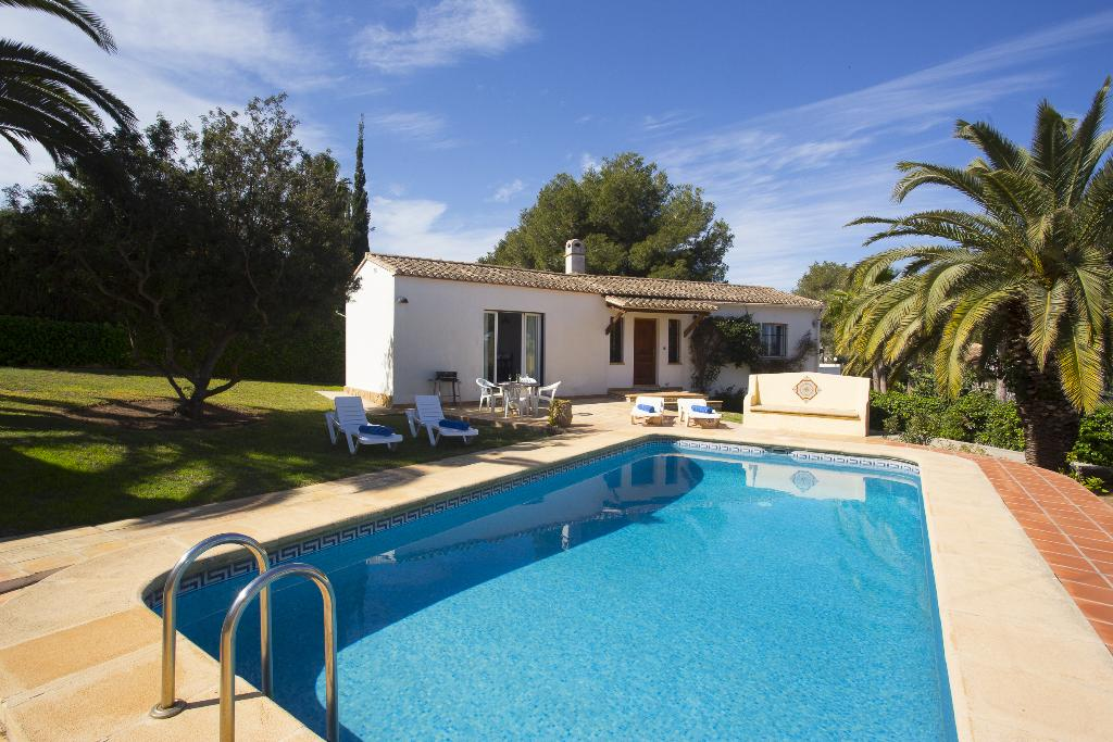 Casa Tordos, Beautiful and classic villa  with private pool in Javea, on the Costa Blanca, Spain for 4 persons...