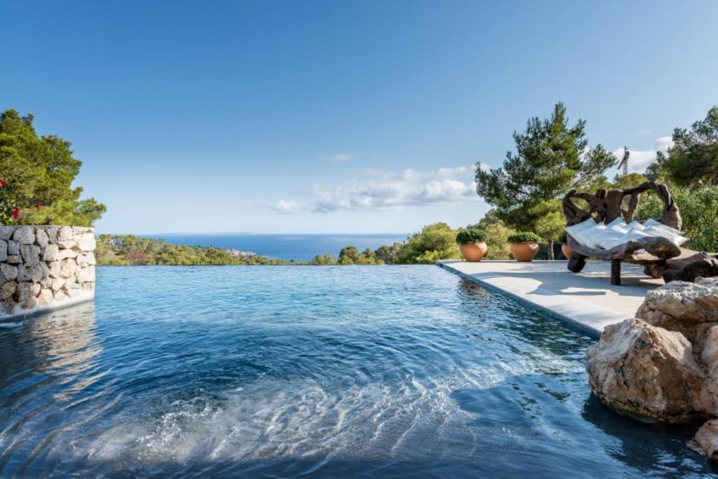 827, Large and luxury villa in Es Cubells, Ibiza, Spain  with private pool for 12 persons...
