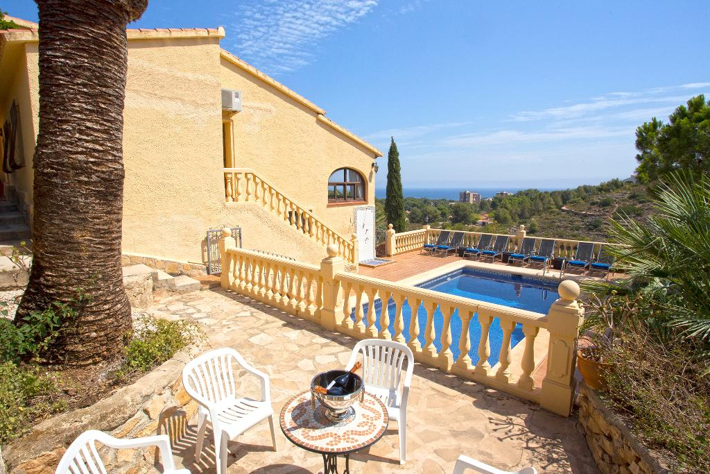 Casa del sueño, Large and comfortable villa in Denia, on the Costa Blanca, Spain  with private pool for 12 persons...
