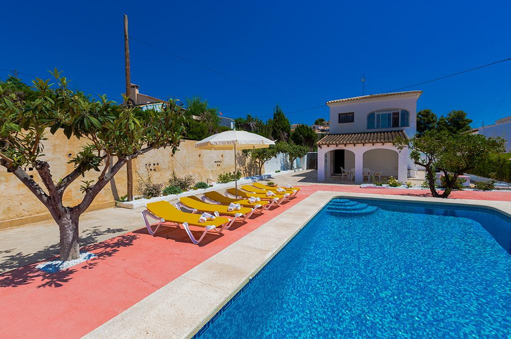 Teresa 6,Wonderful and cheerful villa with private pool in Calpe, on the Costa Blanca, Spain for 6 persons. The villa is situated.....