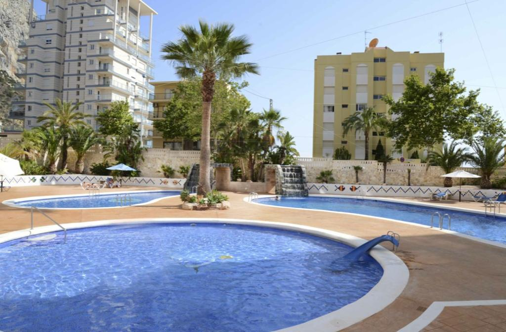 Apartamento Turquesa Beach 39C, Apartment  with communal pool in Calpe, on the Costa Blanca, Spain for 4 persons.....