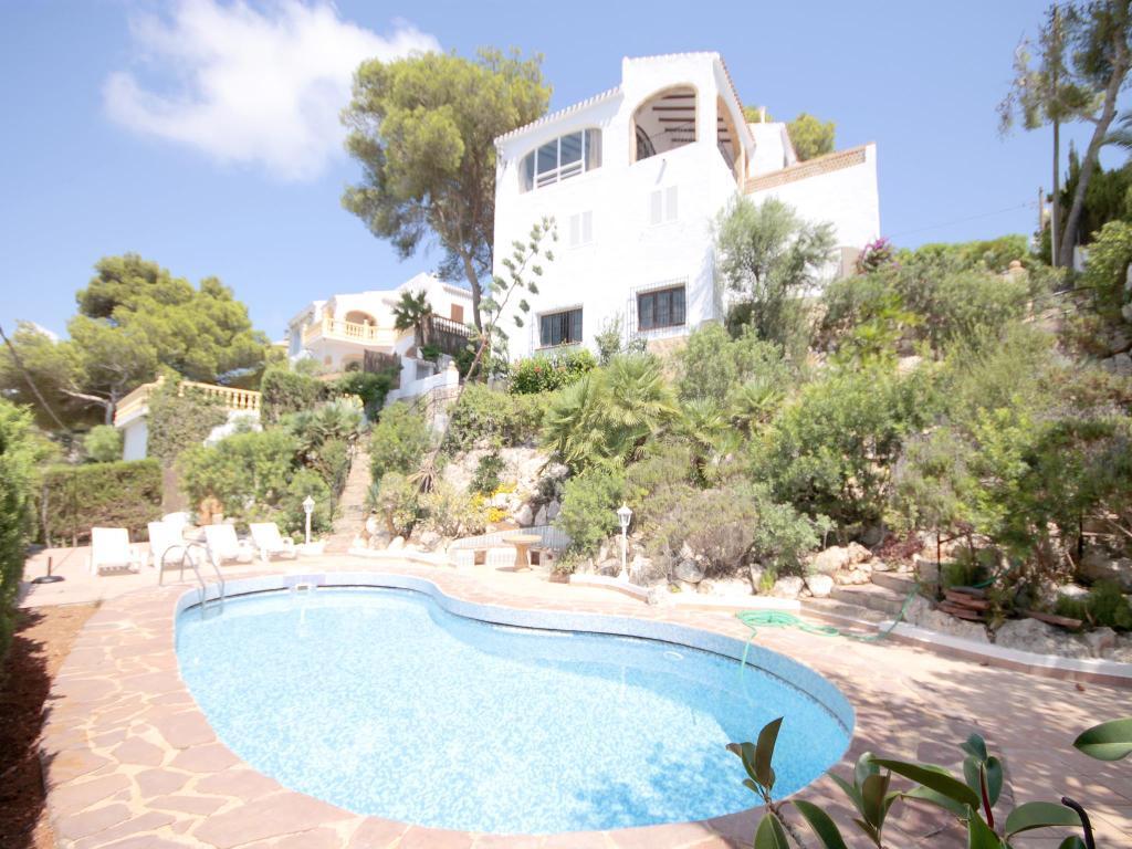 Icaro,Mooie en klassieke villa in Javea, aan de Costa Blanca, Spanje  met privé zwembad voor 8 personen.....