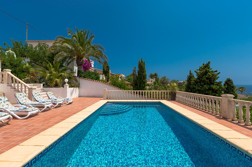 Simon 6, Wonderful and cheerful villa in Benissa, on the Costa Blanca, Spain  with private pool for 6 persons...