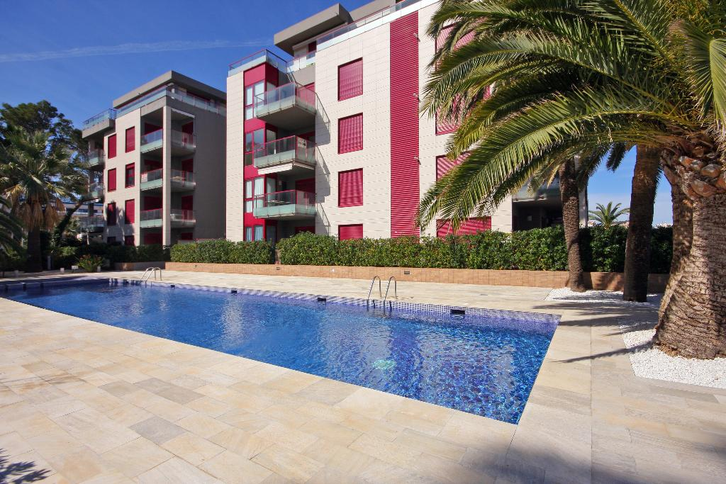 Marina Vista, Modern and comfortable apartment in Denia, on the Costa Blanca, Spain  with communal pool for 6 persons.....