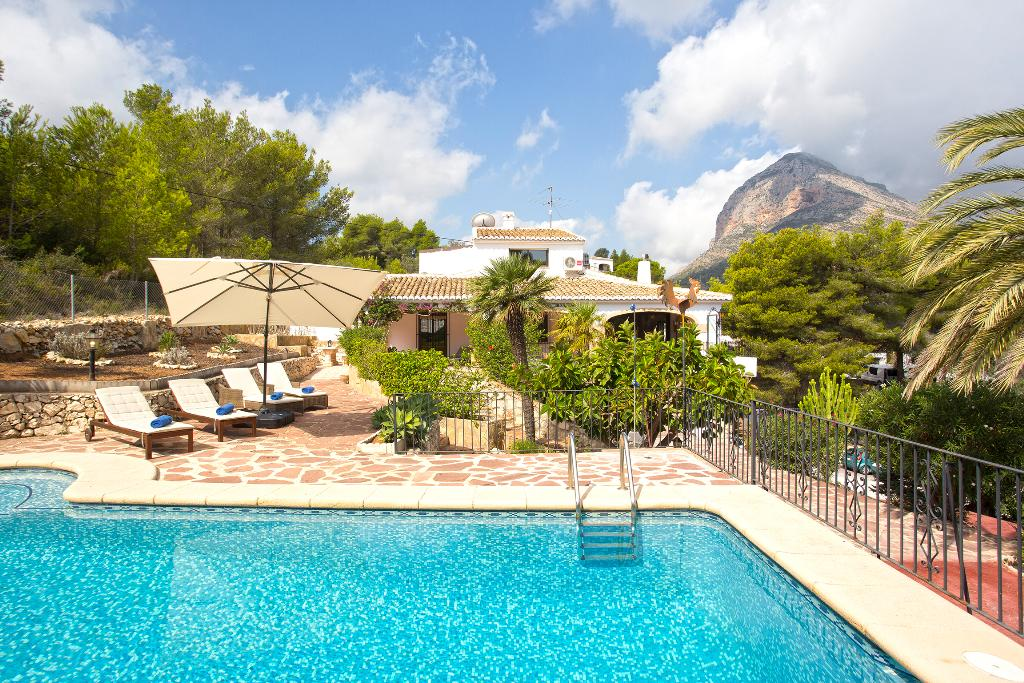 Villa Nino,Wonderful and comfortable villa in Javea, on the Costa Blanca, Spain  with private pool for 8 persons...