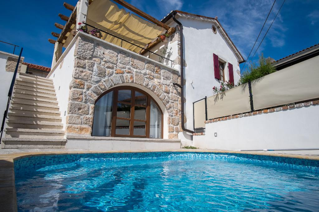 09401 luxury rustic house with pool, Holiday home  with private pool in Krk, Island Krk, Croatia for 6 persons...