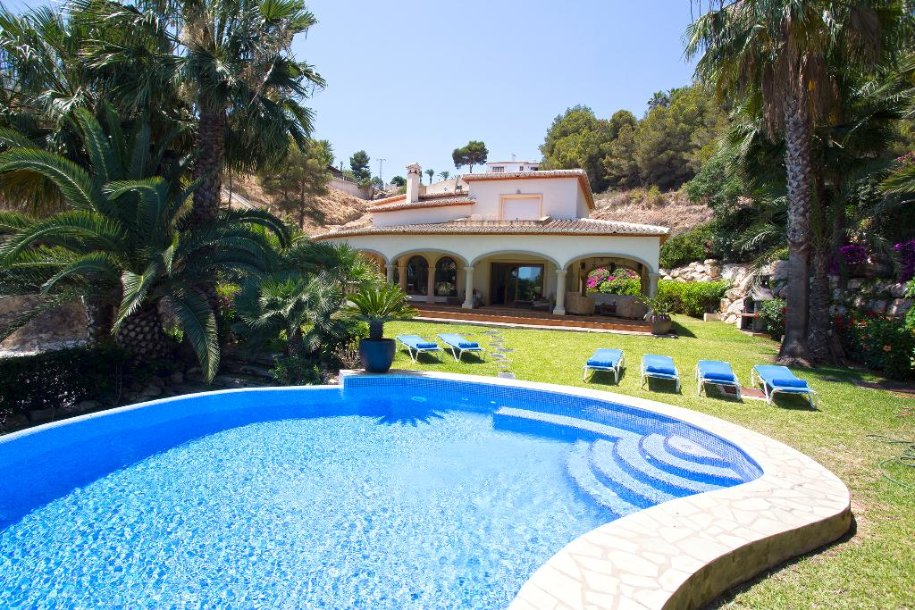 Casa Good, Large and comfortable villa in Javea, on the Costa Blanca, Spain  with private pool for 10 persons...