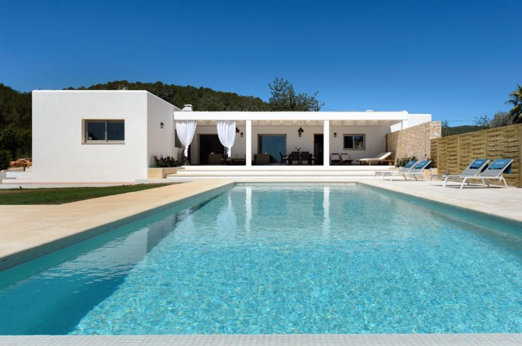 Viñas, Comfortable villa in Santa Gertrudis, Ibiza, Spain  with private pool for 6 persons...