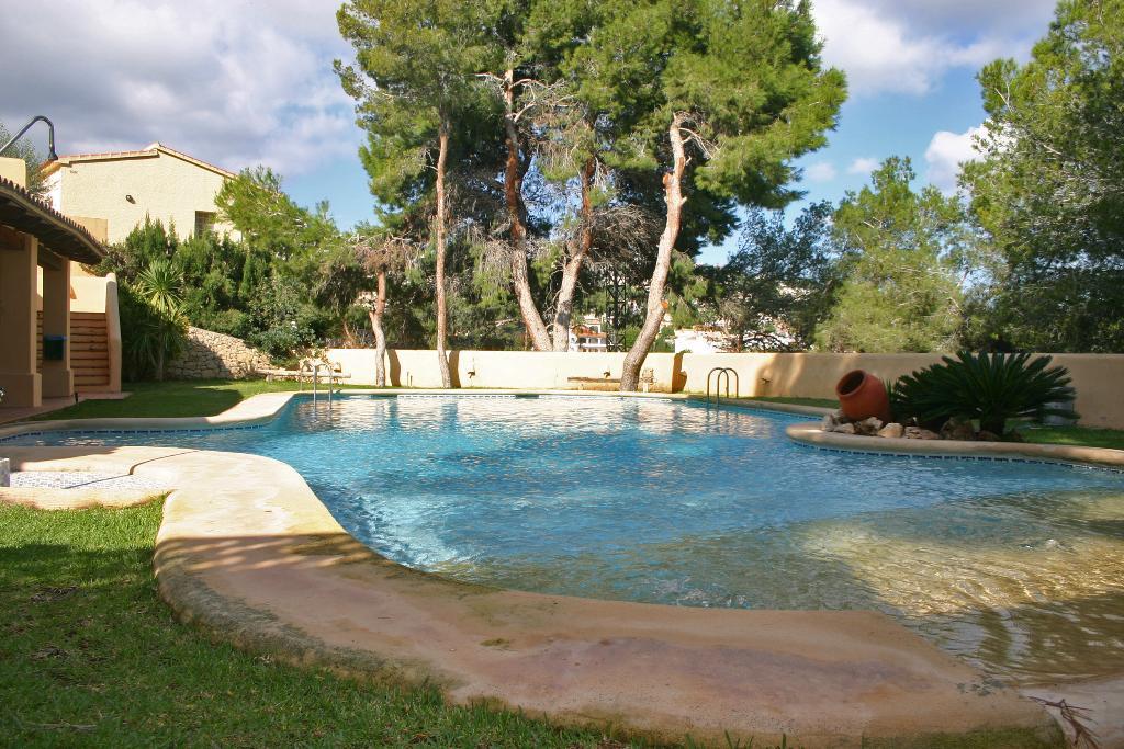 Bungalow Almendro LT,Casa de vacaciones moderna y confortable en Moraira, en la Costa Blanca, España para 6 personas. La casa está.....