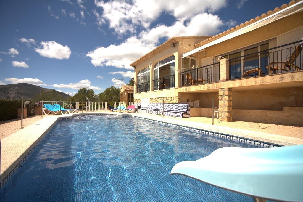 Calma, Lovely and nice villa  with private pool in Finestrat, on the Costa Blanca, Spain for 9 persons.....