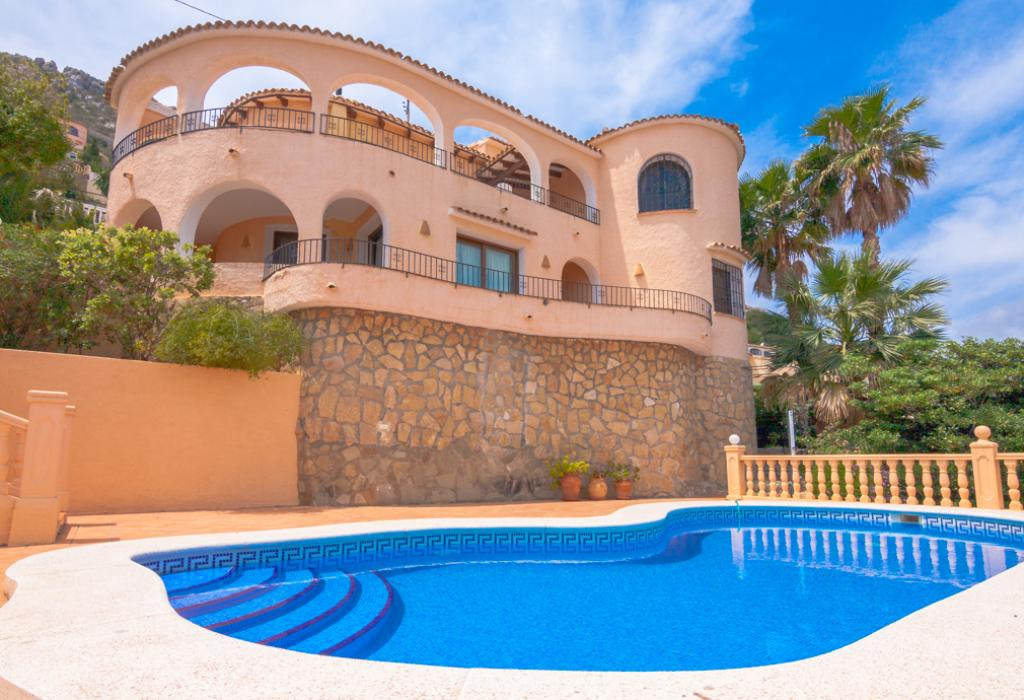 Arcadien 6, Beautiful and comfortable villa  with private pool in Calpe, on the Costa Blanca, Spain for 6 persons.....