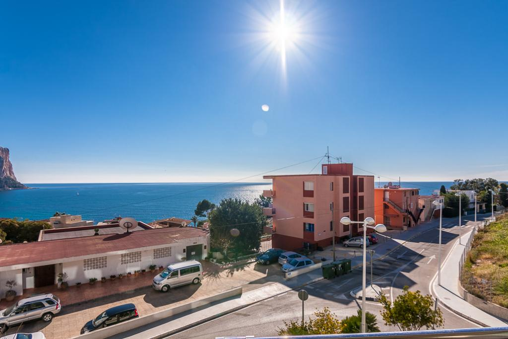 Andrii 4, Modern and comfortable apartment  with communal pool in Calpe, on the Costa Blanca, Spain for 4 persons.....