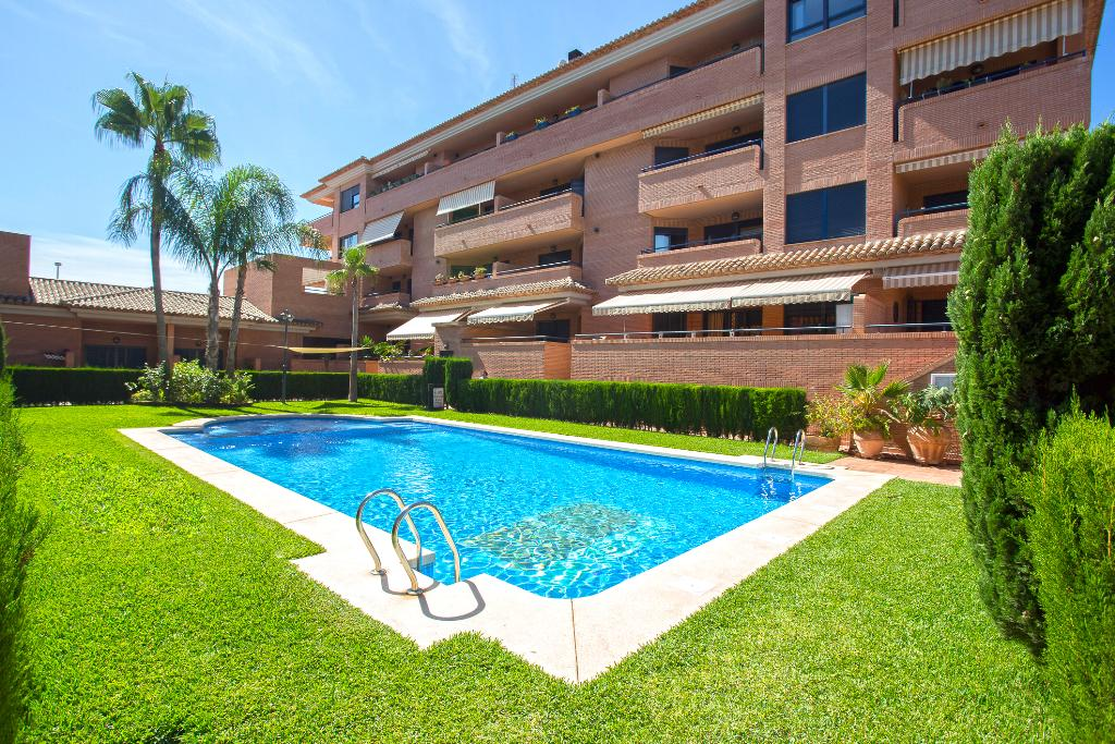 Jardines del Pueblo, Beautiful and comfortable apartment in Javea, on the Costa Blanca, Spain  with communal pool for 4 persons...