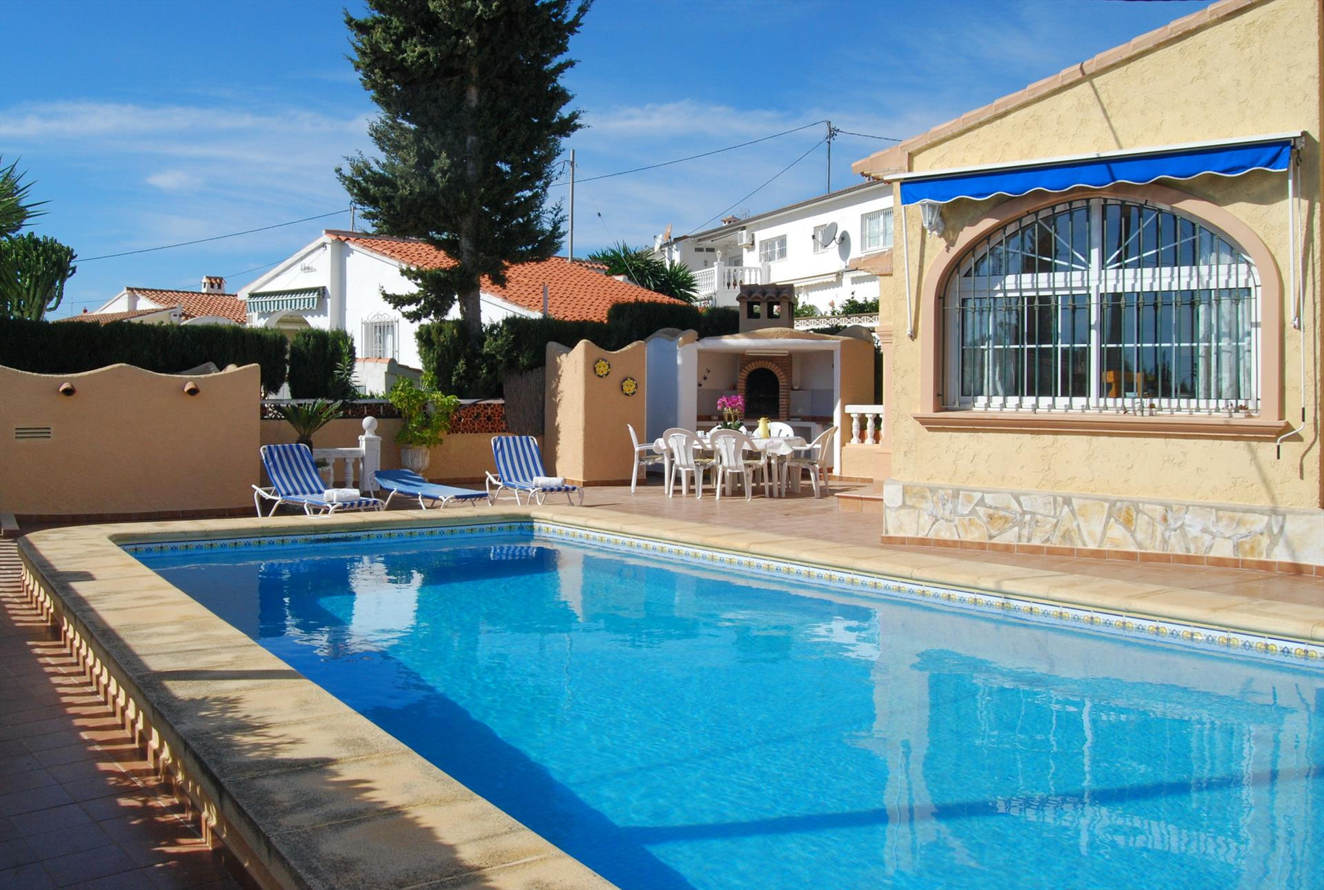 Dolores, Beautiful and comfortable villa  with private pool in Benissa, on the Costa Blanca, Spain for 6 persons.....