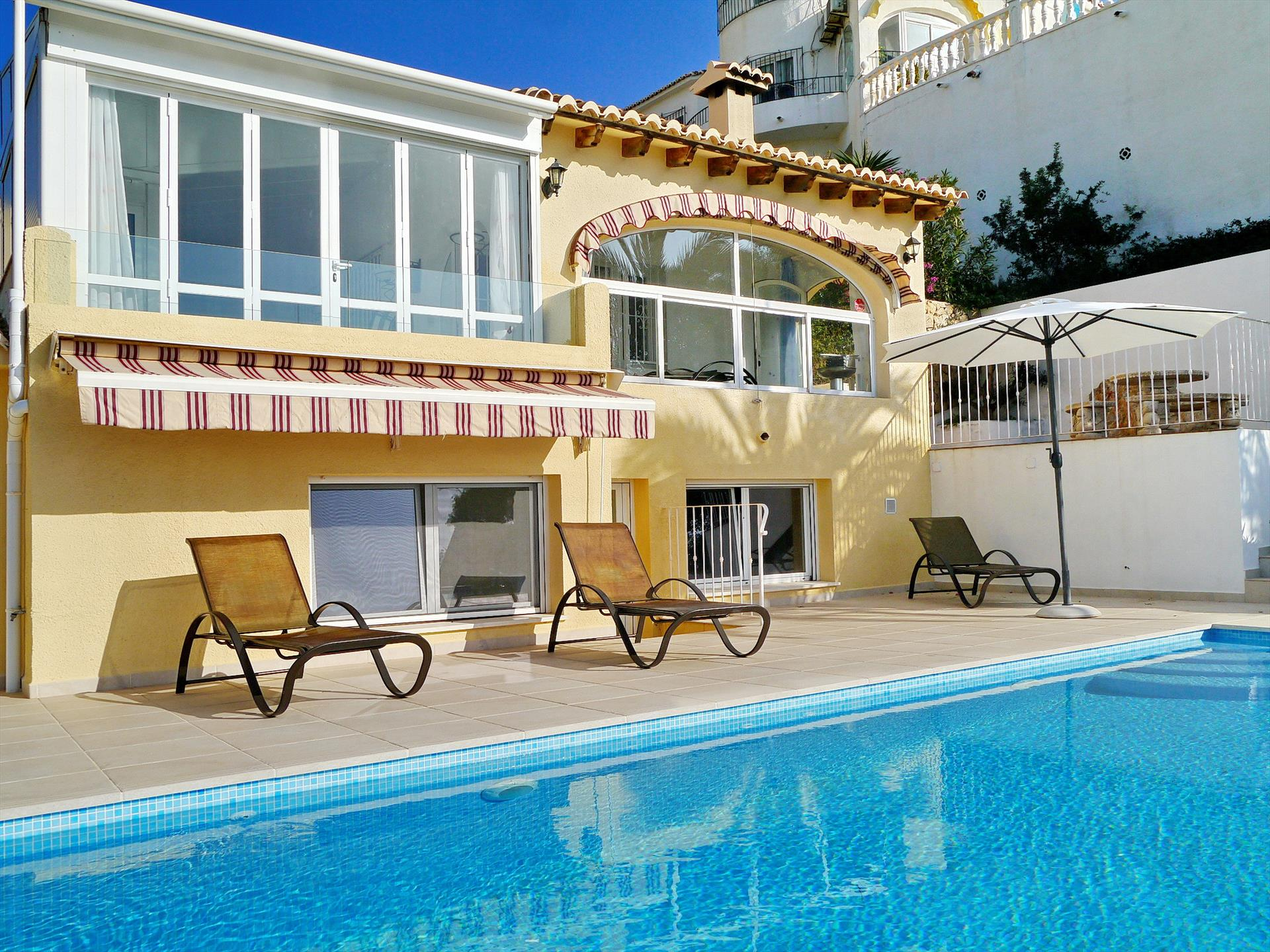 Vista Mar, Lovely and comfortable villa  with private pool in Moraira, on the Costa Blanca, Spain for 6 persons.....
