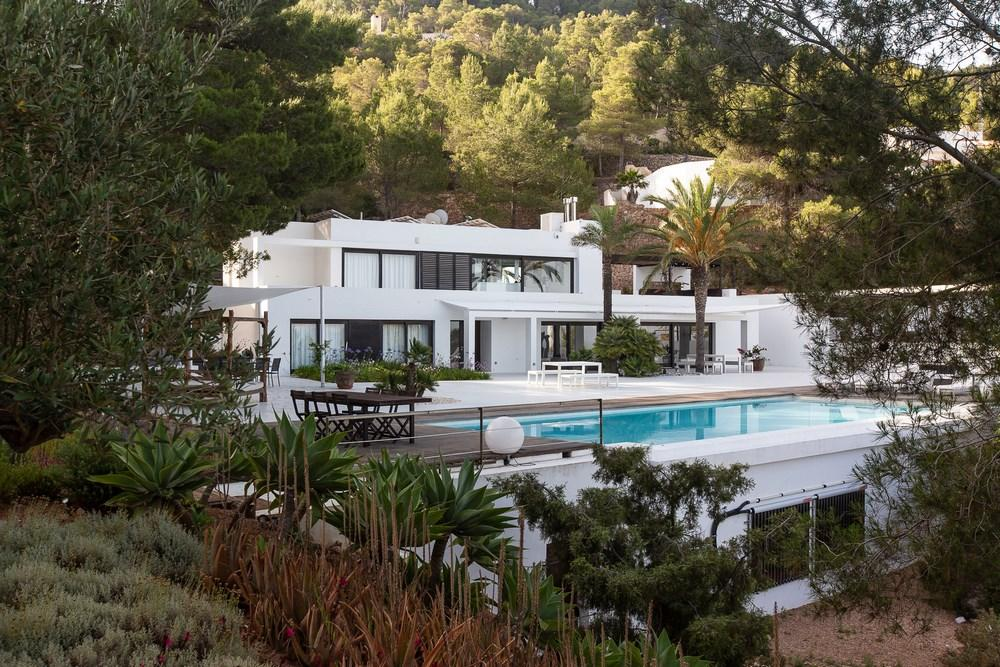 814,Grande villa comfortable à Cala Tarida, Ibiza, Espagne  avec piscine privée pour 8 personnes...