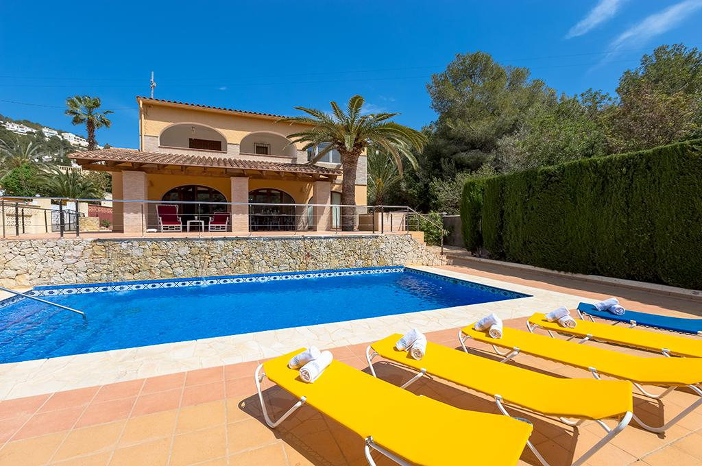 Bonita 12, Villa in Benissa, on the Costa Blanca, Spain with private pool for 12 persons. The villa is situated in a wooded and residential.....