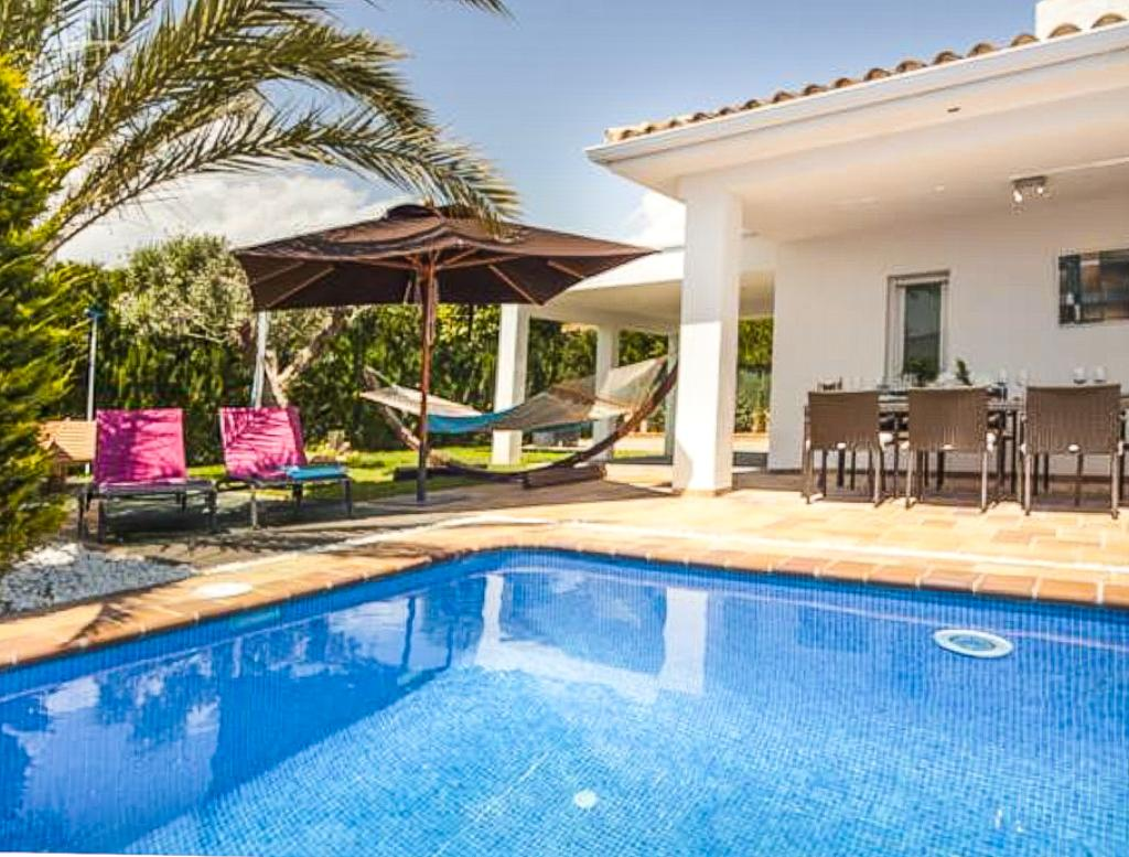 Rufina 8, Modern and comfortable villa  with private pool in La Nucia, on the Costa Blanca, Spain for 8 persons.....