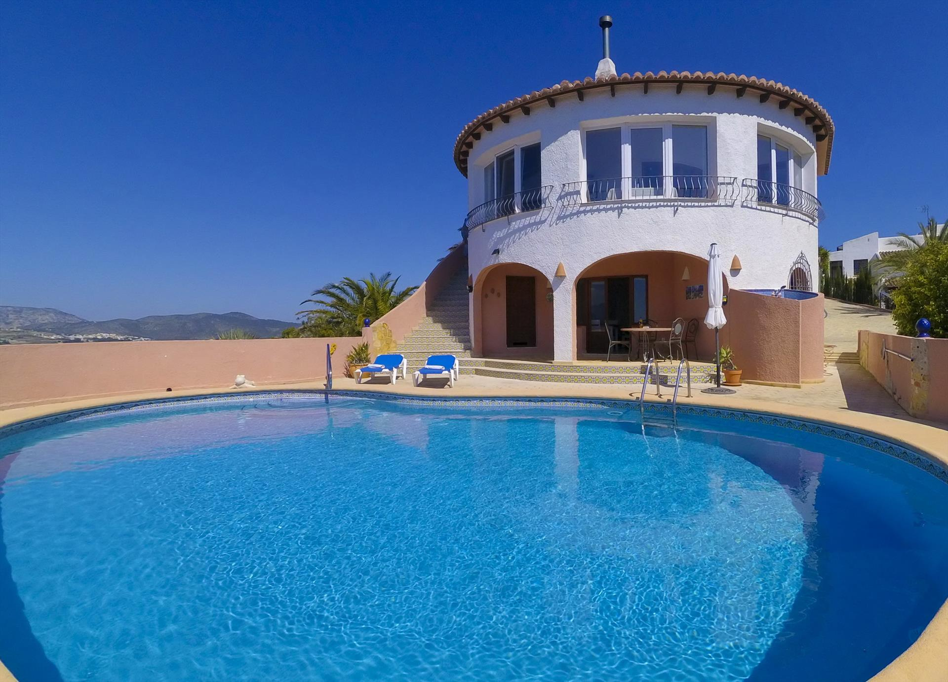 Linda Vista, Wonderful and comfortable villa  with private pool in Benitachell, on the Costa Blanca, Spain for 6 persons.....