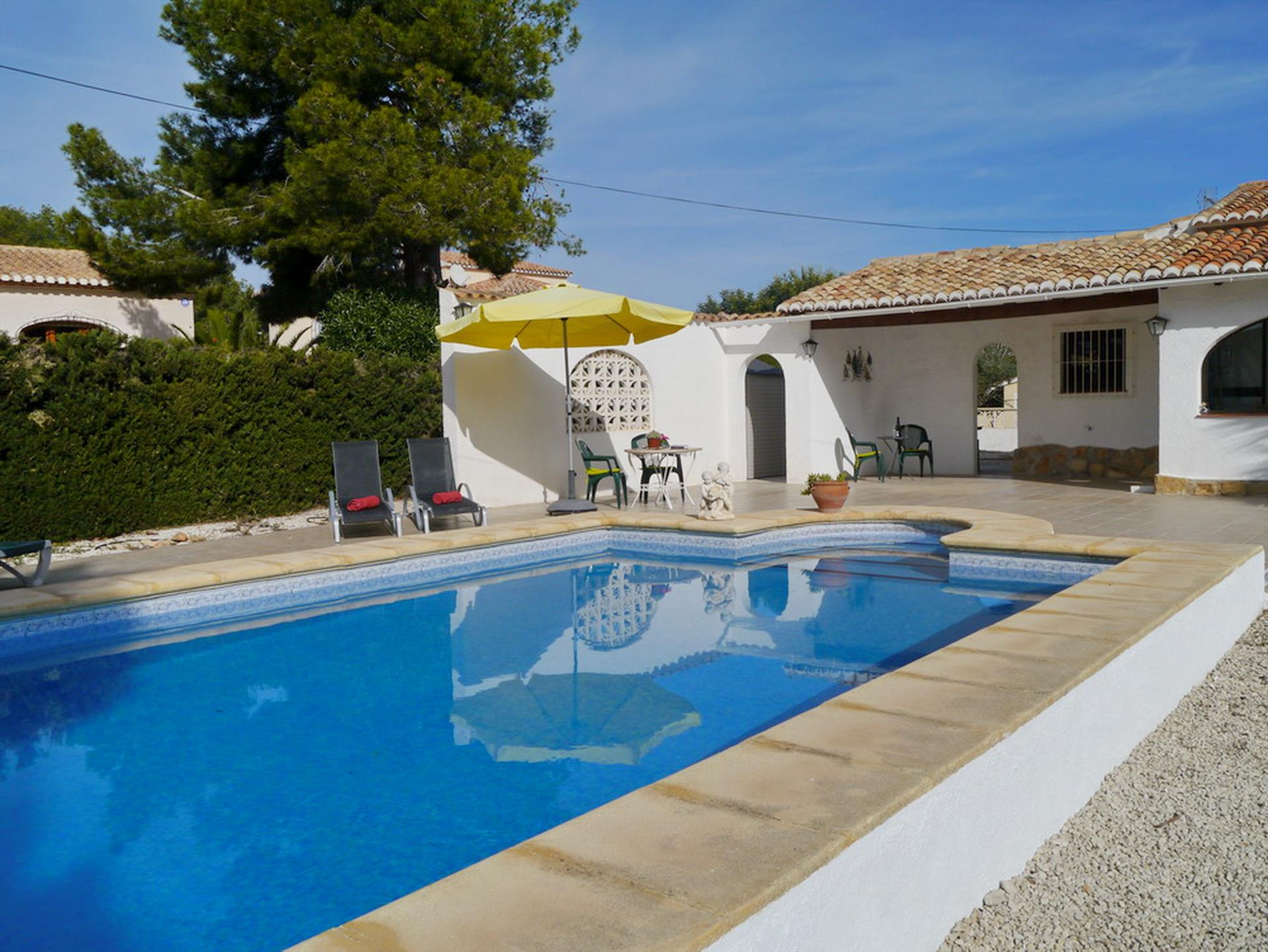 Gondola, Classic and cheerful villa  with private pool in Benissa, on the Costa Blanca, Spain for 4 persons.....