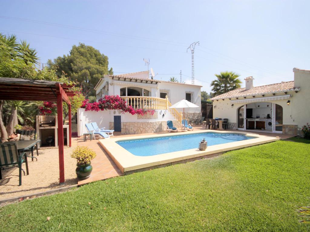 Amaya, Wonderful and romantic villa in Javea, on the Costa Blanca, Spain with private pool for 4 persons. The villa is situated.....