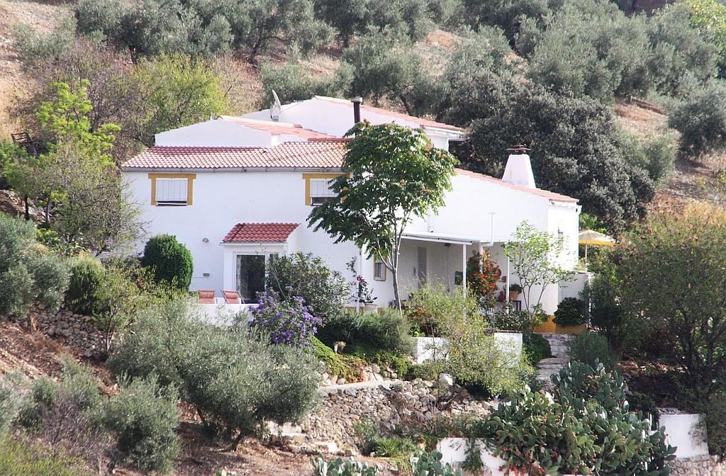 Con guiño,Casa de vacaciones  con piscina privada en Fuentes de Cesna, Subbetica, Poniente Granadino, España para 4 personas...