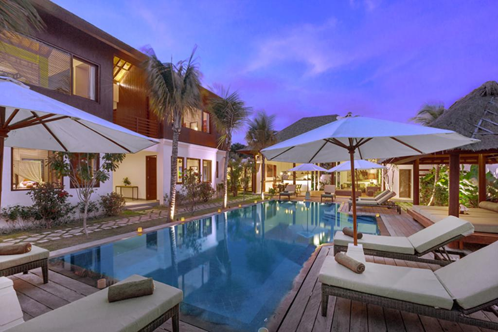 Tangram, Beautiful and luxury villa  with private pool in Seminyak, Bali, Indonesia for 12 persons...
