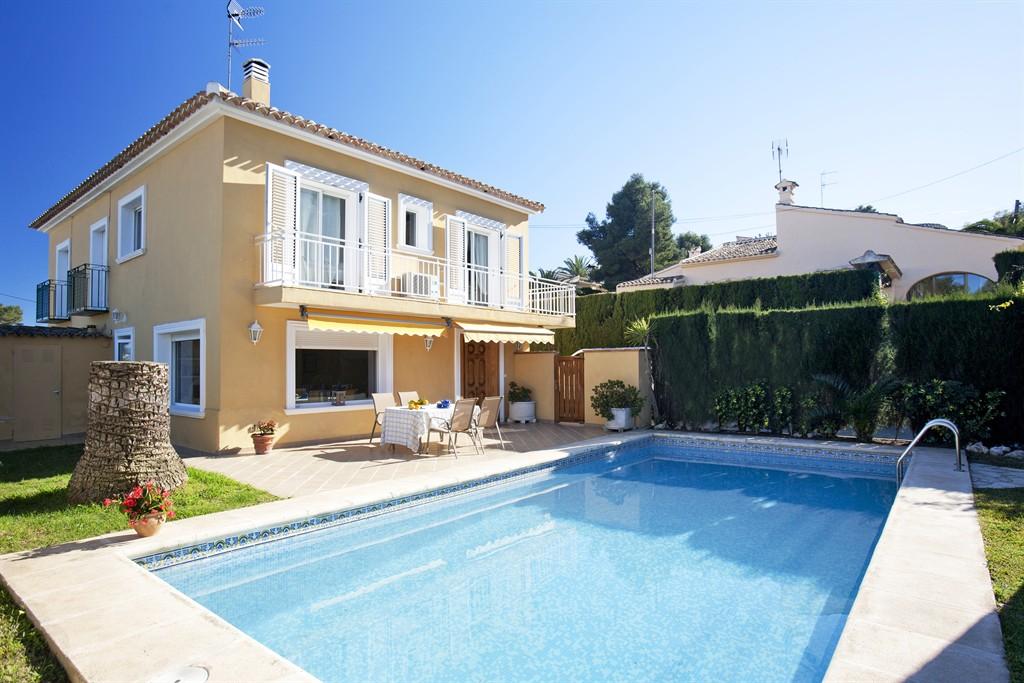 Villa adsubia,Villa en Javea, en la Costa Blanca, España  con piscina privada para 6 personas...