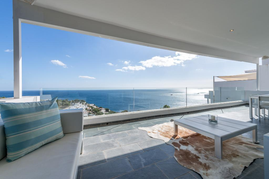 Roca Llisa Cliff Top,Beautiful and luxury villa  with private pool in Roca Llisa, Ibiza, Spain for 8 persons...