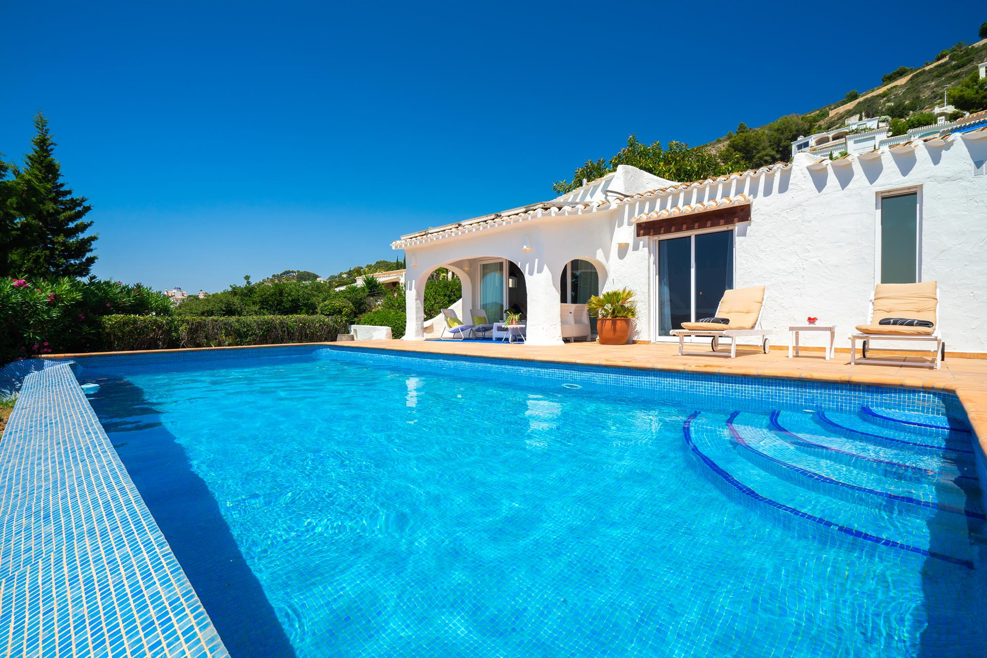 Nalu, Beautiful and comfortable villa in Javea, on the Costa Blanca, Spain  with private pool for 6 persons.....