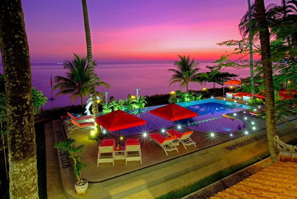 Bondalem beach club family bungalow, Holiday home in Bondalem, Bali, Indonesia for 4 persons...