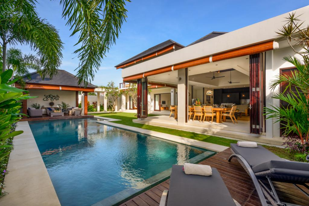 The Maya, Large and luxury villa in Canggu, Bali, Indonesia  with private pool for 8 persons...