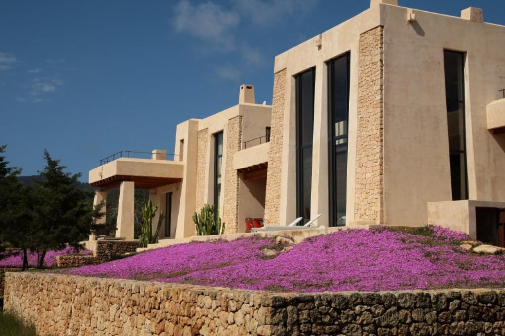 944,Large and comfortable villa  with private pool in Es Cubells, Ibiza, Spain for 7 persons...