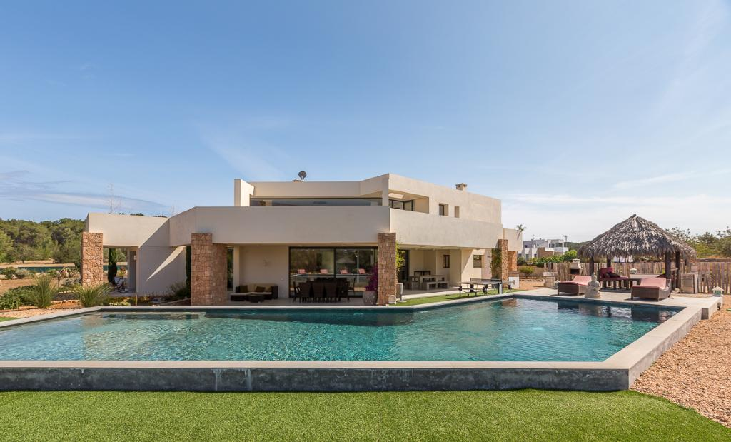 946, Large and comfortable villa  with private pool in San Rafael, Ibiza, Spain for 10 persons...