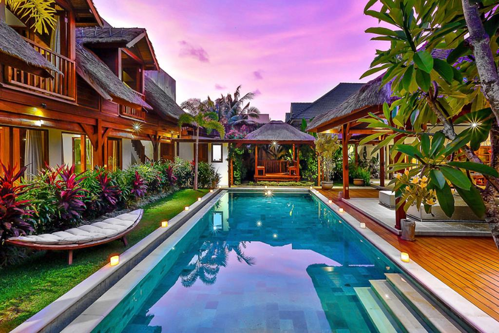 Bibi, Large and luxury villa in Seminyak, Bali, Indonesia  with private pool for 10 persons...