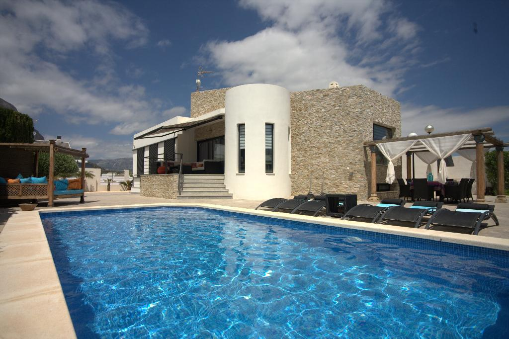 La Villa La Vie, Modern and comfortable villa  with private pool in Polop, on the Costa Blanca, Spain for 8 persons.....