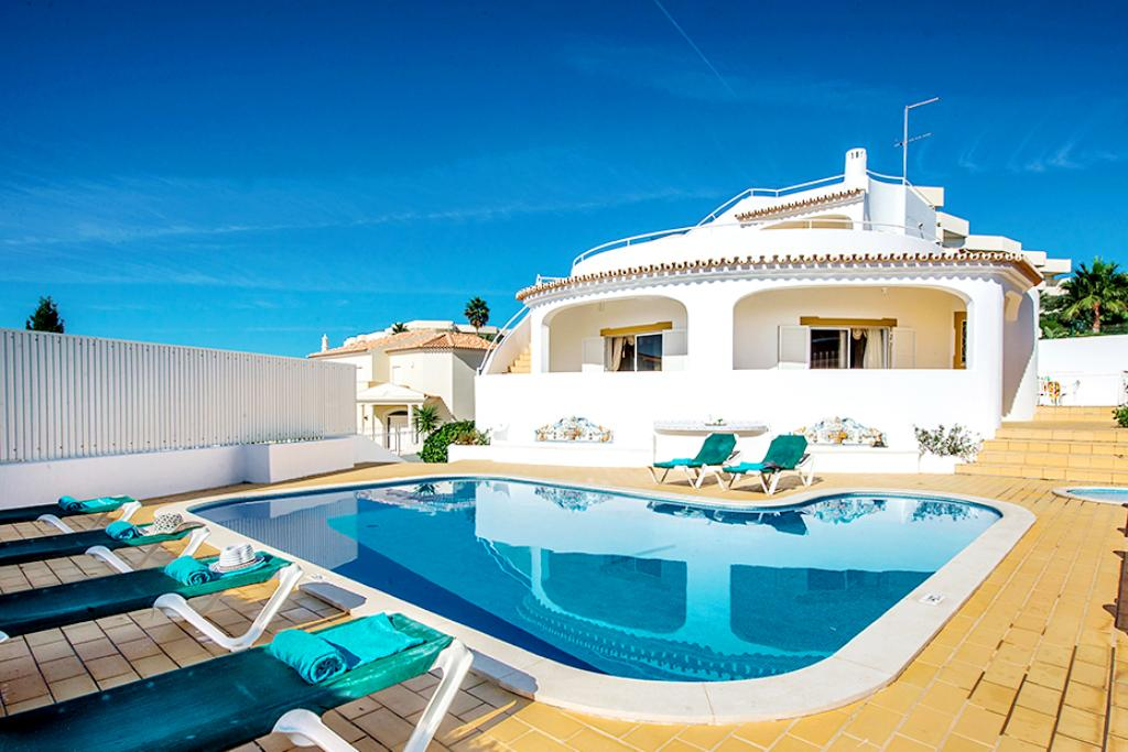 Villa Albufeira LS331, Beautiful and nice villa in Albufeira, on the Algarve, Portugal  with private pool for 10 persons...