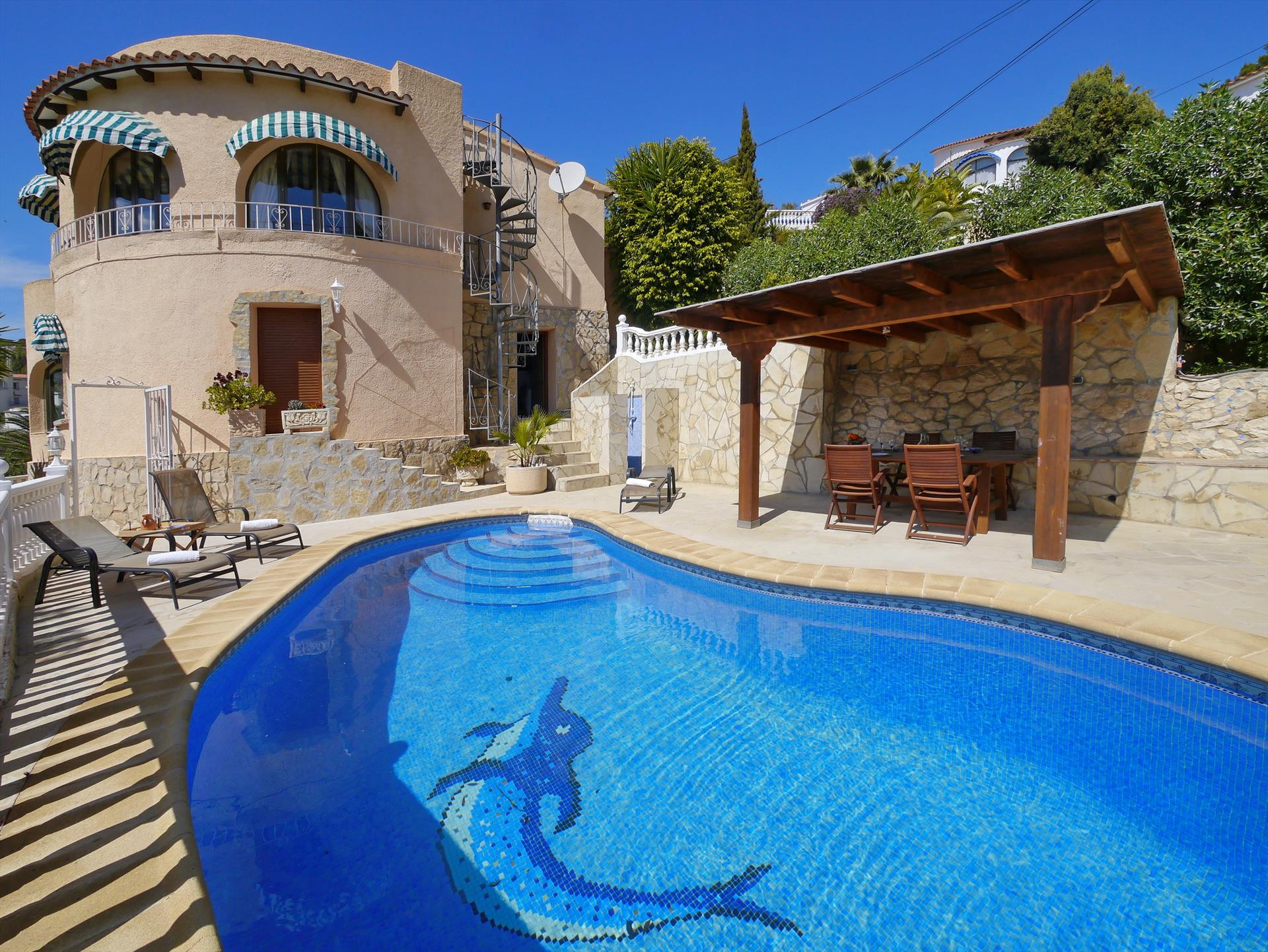 Castillo, Beautiful and comfortable villa  with private pool in Benissa, on the Costa Blanca, Spain for 4 persons.....