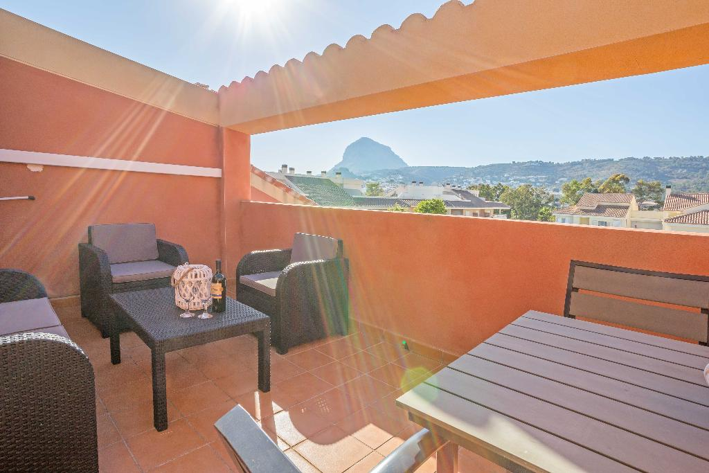 Atico Milan, Lovely apartment decorated with style for 4-5 persons in Javea only 600m from the beach. This duplex apartment in Javea.....