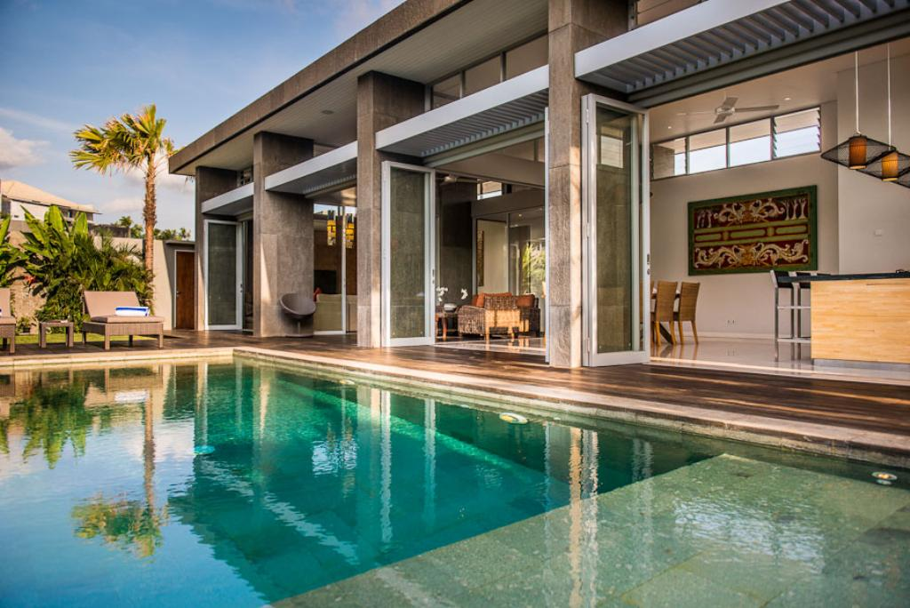 Aramanis damai, Modern and luxury villa in Seminyak, Bali, Indonesia  with private pool for 6 persons...