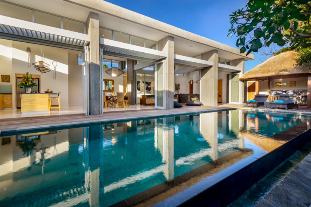 Aramanis manis, Modern and luxury villa in Seminyak, Bali, Indonesia  with private pool for 8 persons...