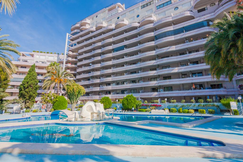 Paraiso Mar 5, Beautiful and comfortable apartment  with communal pool in Calpe, on the Costa Blanca, Spain for 5 persons...