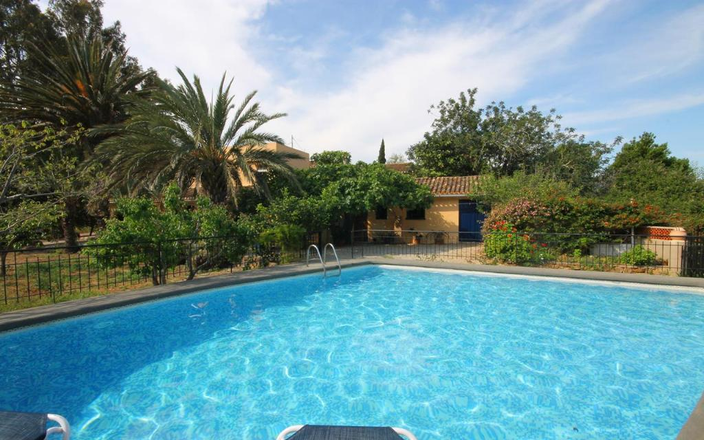 Alqueria, Rustic and nice villa in Jesús Pobre, on the Costa Blanca, Spain with private pool for 8 persons. The villa is situated.....