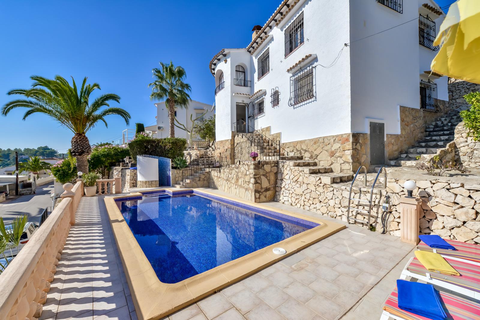 Villa marta,Mooie en comfortabele villa in Benissa, aan de Costa Blanca, Spanje  met privé zwembad voor 4 personen...
