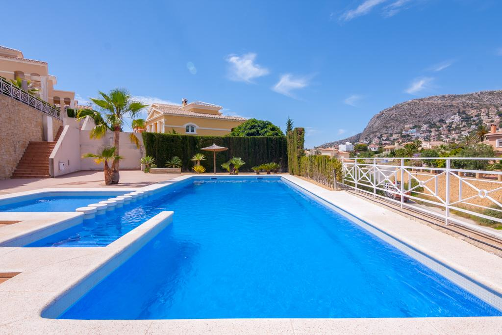Dora 6, Beautiful and comfortable holiday home  with communal pool in Calpe, on the Costa Blanca, Spain for 6 persons...