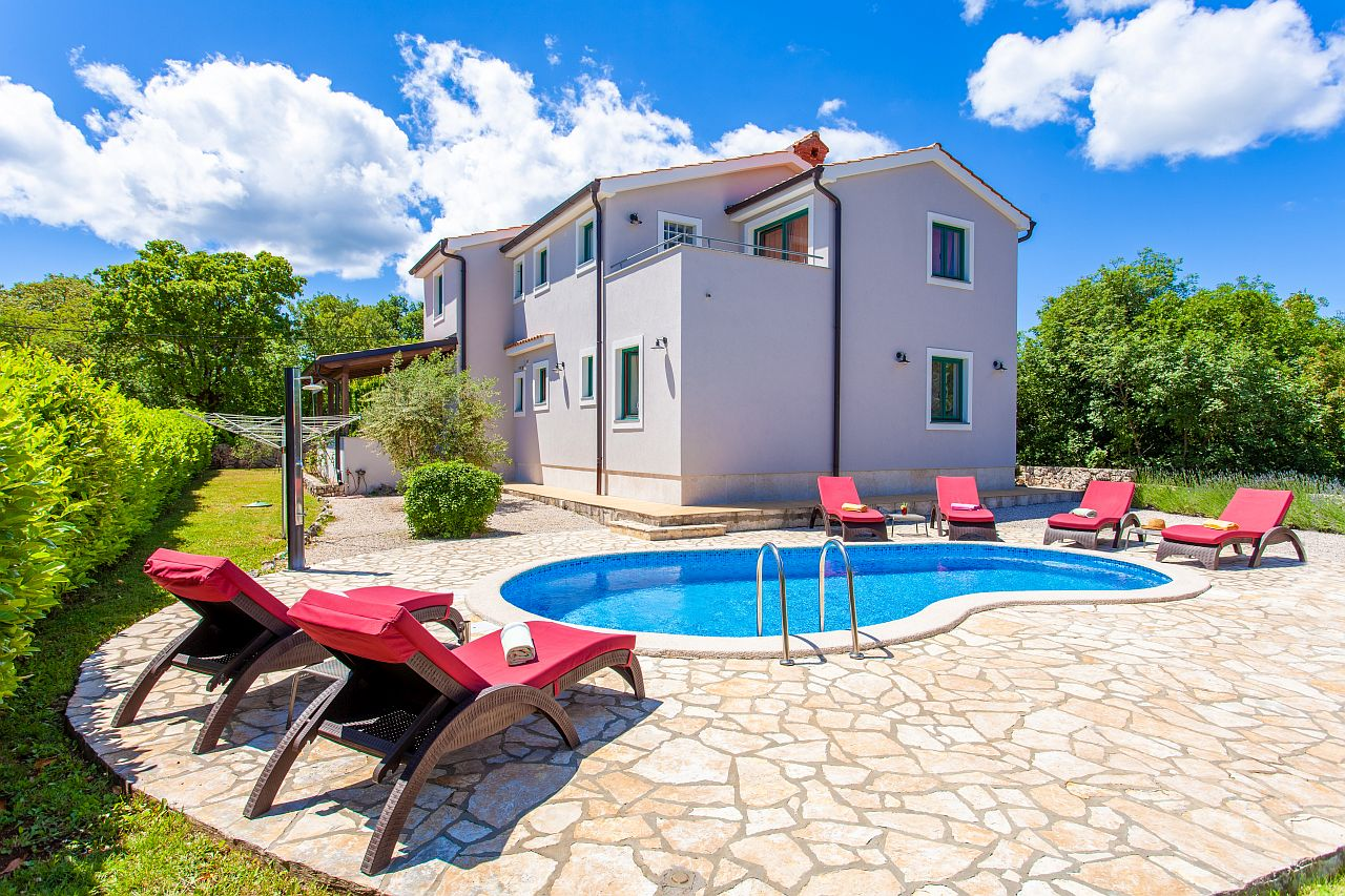 12001 Große Villa mit Pool, Large and comfortable holiday home  with private pool in Kras, Island Krk, Croatia for 8 persons...