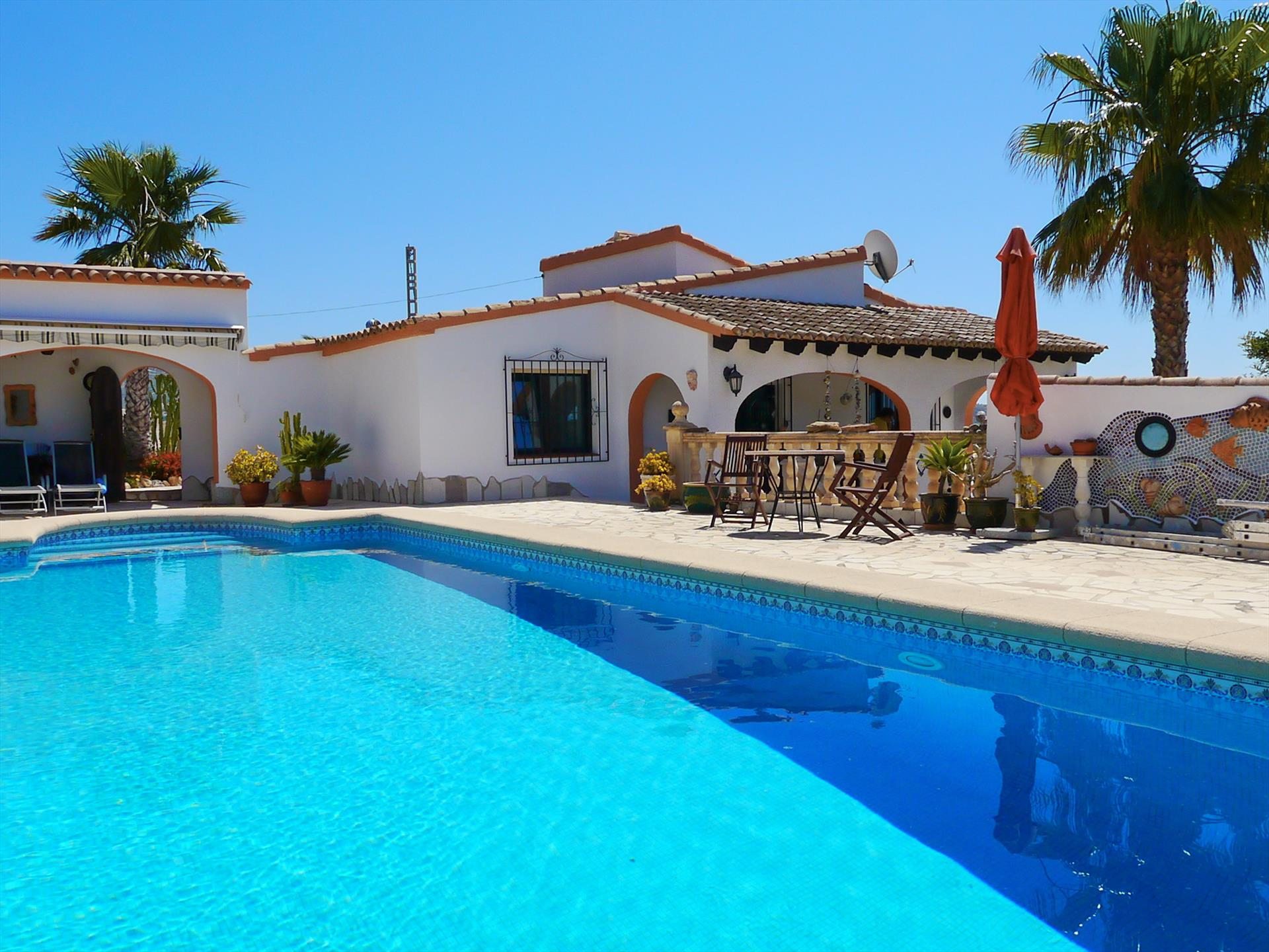 Flor, Wonderful and comfortable villa  with private pool in Moraira, on the Costa Blanca, Spain for 3 persons.....